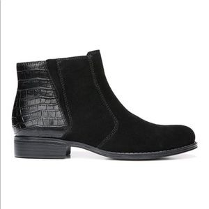Naturalizer black suede/ snake print boot size 8m
